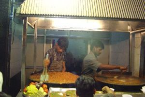 Pav bhaji stall (Photo credit: http://burrp.in.com)