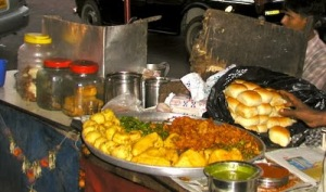 Vada pav stall from http://inner--space.blogspot.com